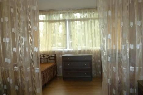 Сдается 2-комнатная квартира посуточнов Сочи, Островского, 1.