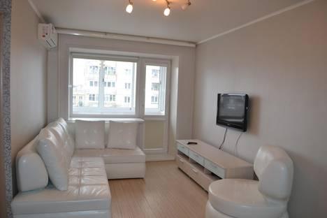 Сдается 1-комнатная квартира посуточно, Индустриальный район, улица Мира 78.