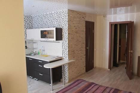 Сдается 1-комнатная квартира посуточнов Глазове, ул. Энгельса, 30А.