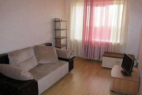 Сдается 1-комнатная квартира посуточно в Глазове, ул. Карла Маркса, 16А.