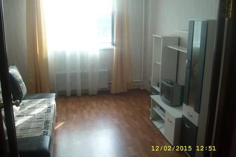 Сдается 2-комнатная квартира посуточно в Подольске, ул. Генерала Смирнова, 4.