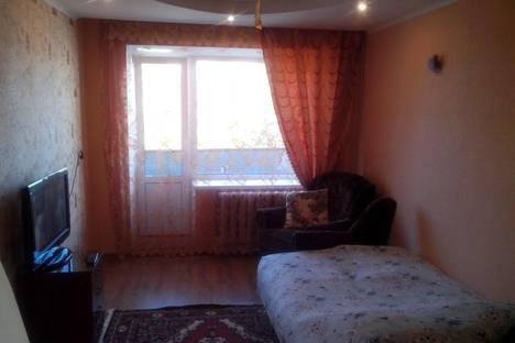 Сдается 2-комнатная квартира посуточнов Гусе-Хрустальном, проспект 50 лет Советской Власти, д.41.