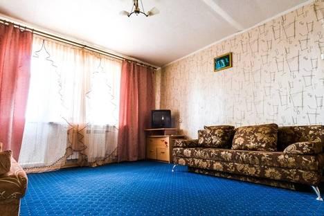 Сдается 2-комнатная квартира посуточно в Каменск-Уральском, ул. Кирова, 29.