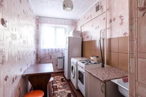 Сдается 2-комнатная квартира посуточно в Каменск-Уральском, ул. Кирова, 53.