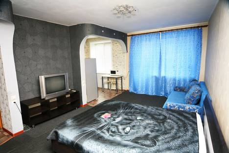 Сдается 1-комнатная квартира посуточно в Каменск-Уральском, ул. Гагарина, 42.