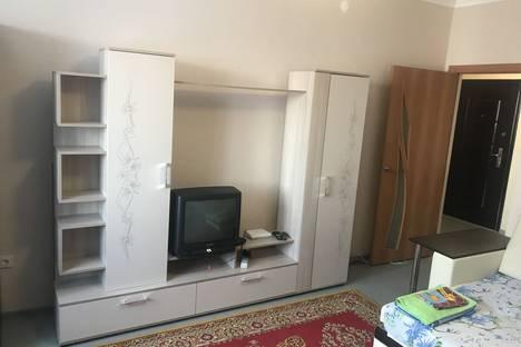 Сдается 1-комнатная квартира посуточно, Комсомольская 15.