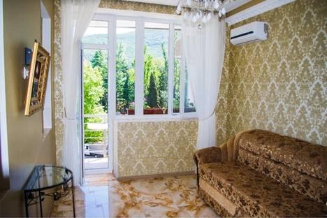 Сдается 2-комнатная квартира посуточнов Партените, ул . Прибрежная. дом 7.