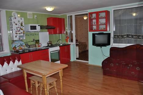 Сдается 2-комнатная квартира посуточно в Партените, ул . Солнечная. д 7.