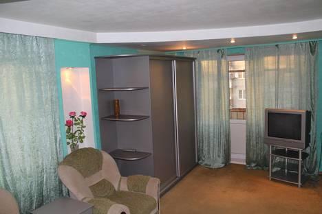 Сдается 1-комнатная квартира посуточнов Кургане, Чернореченская 83.