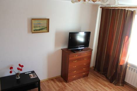 Сдается 1-комнатная квартира посуточнов Кургане, Пичугина 6.