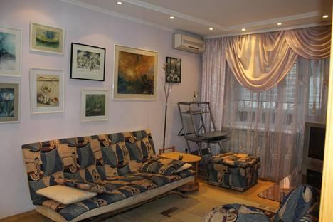 Сдается 2-комнатная квартира посуточнов Кургане, Криволапова 46.