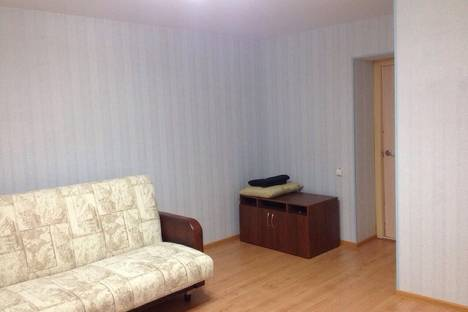 Сдается 1-комнатная квартира посуточно в Кургане, Заозерный, 5микрорайон, д.2.