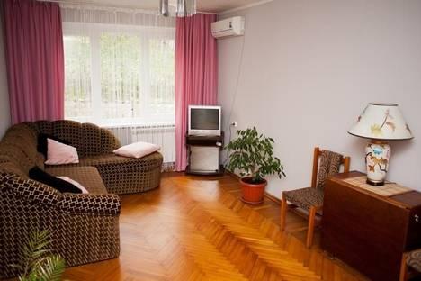 Сдается 2-комнатная квартира посуточно в Ялте, Алупкинское шоссе, 72.