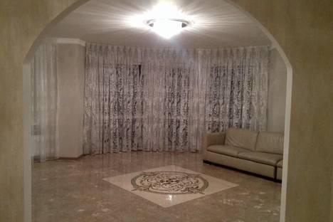 Сдается 3-комнатная квартира посуточно в Ялте, Таврическая, 2.