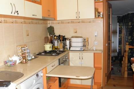 Сдается 2-комнатная квартира посуточнов Николаевке, Новофёдоровка ул. Севастопольская 25 кв 32.