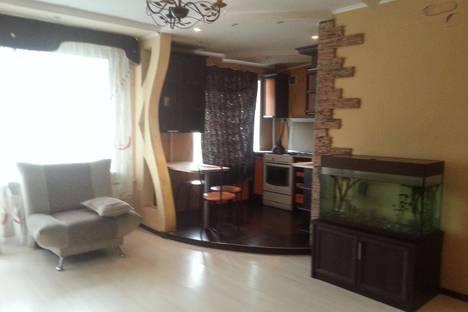 Сдается 2-комнатная квартира посуточно в Ижевске, ул. Коммунаров, 202.