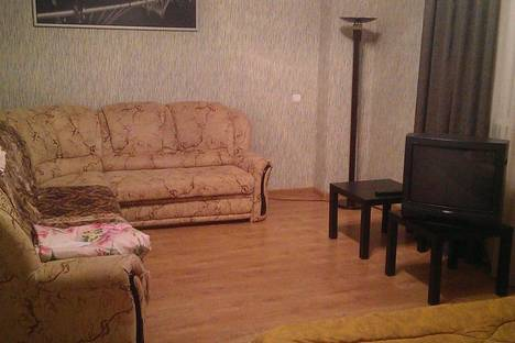 Сдается 2-комнатная квартира посуточно в Армавире, ул. Лермонтова, 91.
