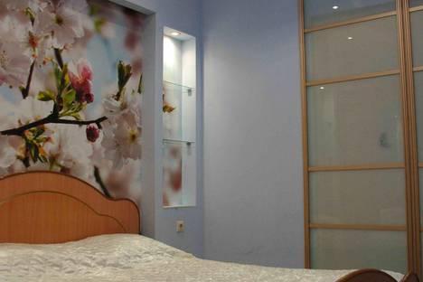 Сдается 3-комнатная квартира посуточно в Кемерове, Строителей бульвар, 53.