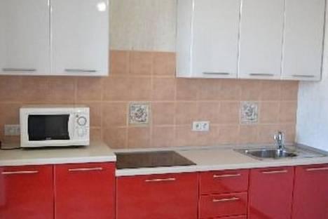 Сдается 1-комнатная квартира посуточно в Череповце, ул. Раахе, 60.