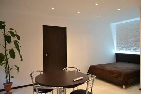 Сдается 2-комнатная квартира посуточно в Кривом Роге, пр.Металлургов,30.