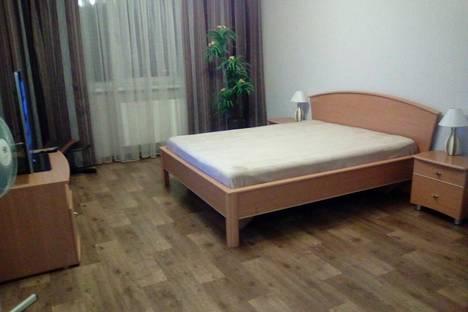 Сдается 1-комнатная квартира посуточно в Сургуте, ул. Университетская, 11.