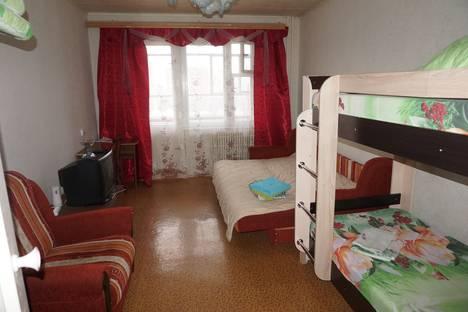 Сдается 1-комнатная квартира посуточно в Обнинске, ул. Аксенова, 10.