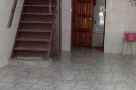 Сдается коттедж посуточно в Сочи, ул. Октября, 28.