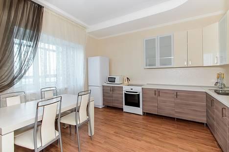 Сдается 3-комнатная квартира посуточно в Казани, Чистопольская 40.