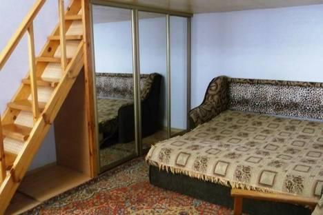 Сдается 2-комнатная квартира посуточно в Феодосии, Октябрьская, 5.