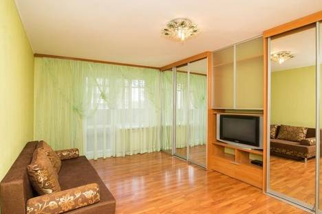 Сдается 2-комнатная квартира посуточнов Екатеринбурге, ул. Чайковского, ,62.