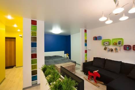 Сдается 1-комнатная квартира посуточно в Екатеринбурге, ул. Мамина-Сибиряка, 130.