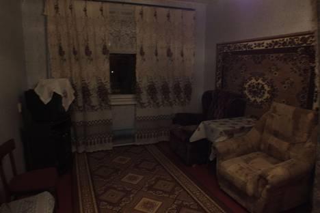 Сдается 2-комнатная квартира посуточнов Гатчине, ул. Радищева, 28.