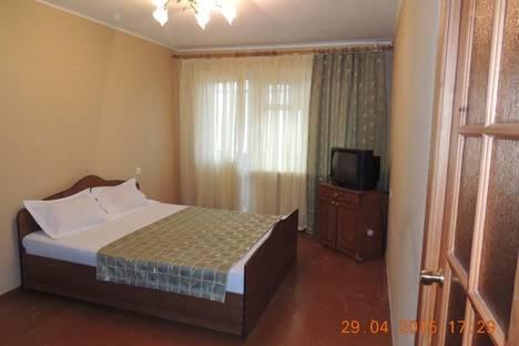 Сдается 3-комнатная квартира посуточно, проспект Советских Космонавтов, 169.