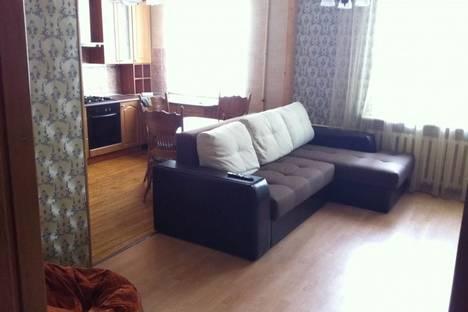 Сдается 2-комнатная квартира посуточнов Северодвинске, первомайская, 1.