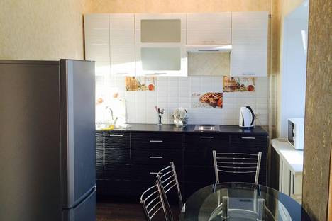 Сдается 1-комнатная квартира посуточно в Комсомольске-на-Амуре, ул. Парижской Коммуны, 23.