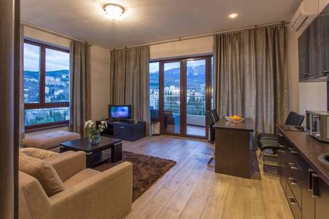 Сдается 2-комнатная квартира посуточнов Ялте, Ломоносова 25.