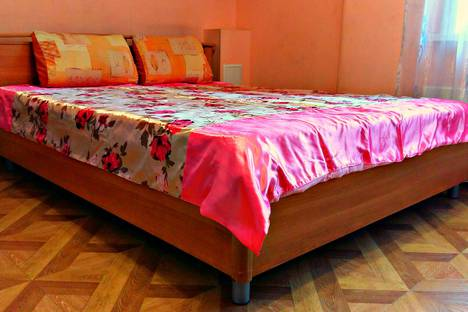 Сдается 1-комнатная квартира посуточно в Улан-Удэ, ул. Сахьяновой, 23.