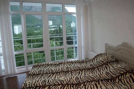 Сдается 2-комнатная квартира посуточно в Партените, ул .Прибрежная. дом 7.