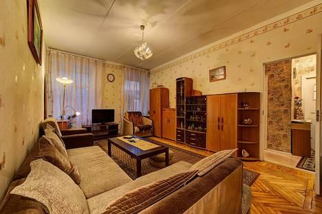 Сдается 1-комнатная квартира посуточнов Санкт-Петербурге, ул. Достоевского, 25.