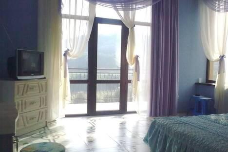 Сдается 2-комнатная квартира посуточно в Партените, ул .Победы , 3А.