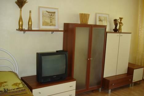 Сдается 1-комнатная квартира посуточно в Волгодонске, Строителей проспект, 20а.