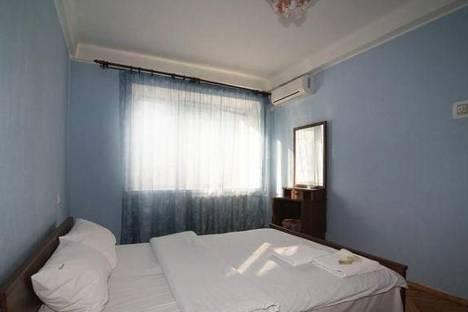 Сдается 3-комнатная квартира посуточно в Челябинске, ул. Цвиллинга, д. 35.
