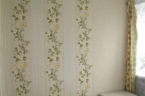 Сдается 2-комнатная квартира посуточно в Ильичёвске, Корабельная, 5.