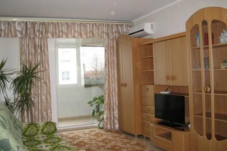 Сдается 1-комнатная квартира посуточно в Ильичёвске, Парковая, 12.