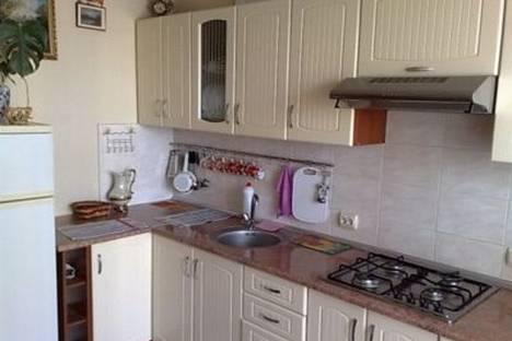 Сдается 1-комнатная квартира посуточно в Ильичёвске, Героев Сталинграда, 1В.