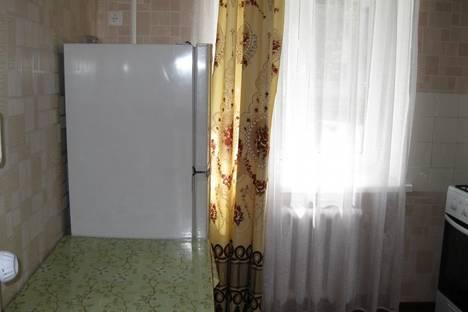 Сдается 2-комнатная квартира посуточно в Ильичёвске, Корабельная, 7.