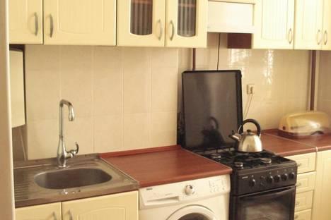 Сдается 1-комнатная квартира посуточно в Ильичёвске, парковая 44.