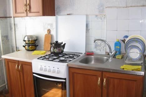 Сдается 1-комнатная квартира посуточно в Ильичёвске, Парковая, 26.