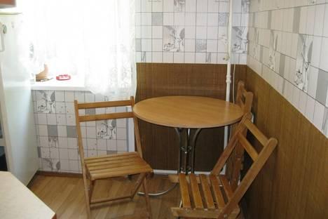Сдается 1-комнатная квартира посуточно в Ильичёвске, Ленина, 8.