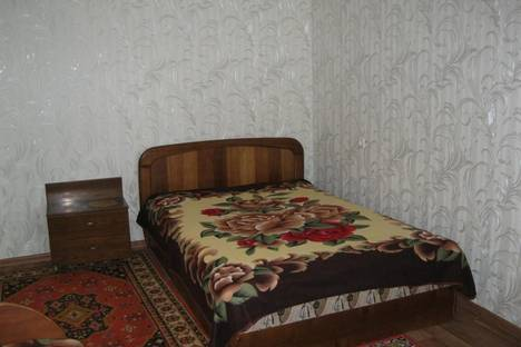 Сдается 1-комнатная квартира посуточно в Ильичёвске, Ленина, 25.